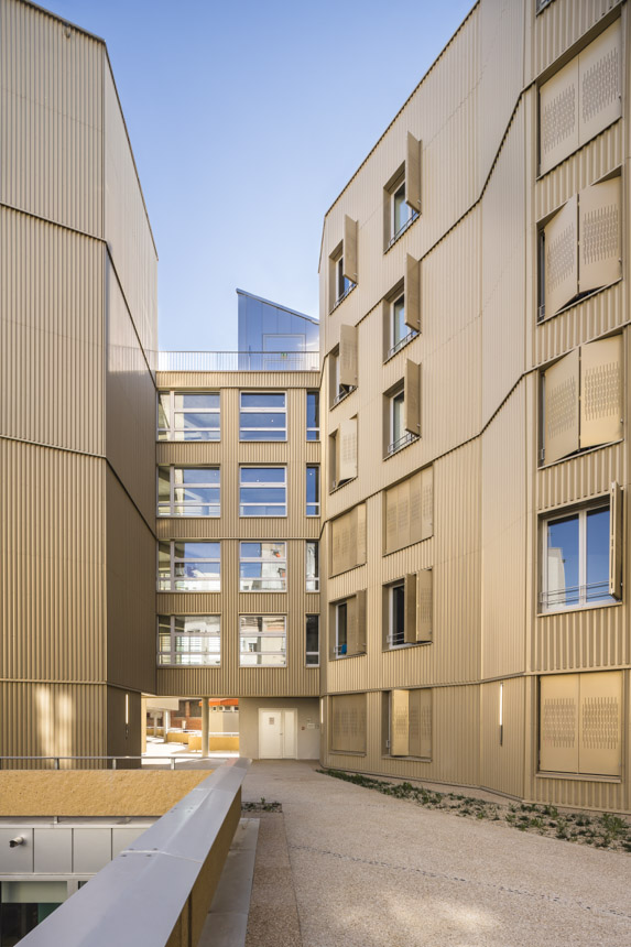 2014 - ROBAIN GUIEYSSE - centre hebergement - paris 1340